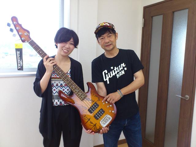 #004 ギター寄贈