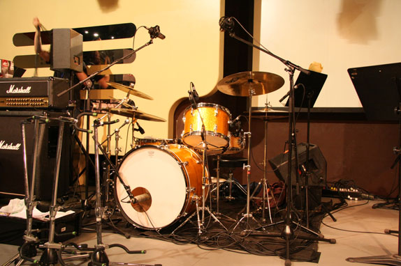 シンプルなドラムセット